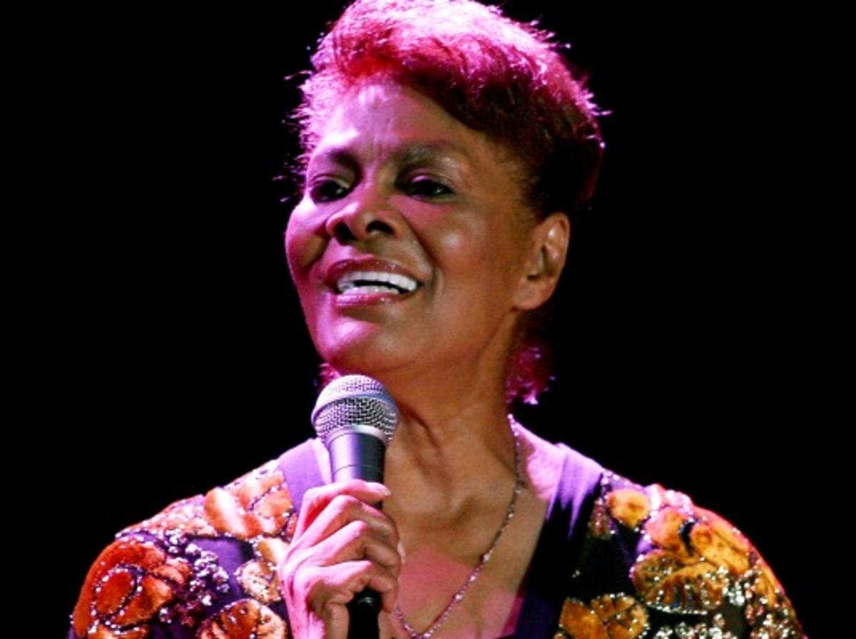 Ματαιώθηκε τελευταία στιγμή η συναυλία της Dionne Warwick! | Newsit.gr