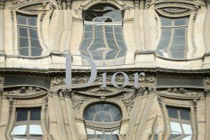 Super deal! Η Louis Vuitton εξαγοράζει τον Dior έναντι 12,1 δισεκ. ευρώ!