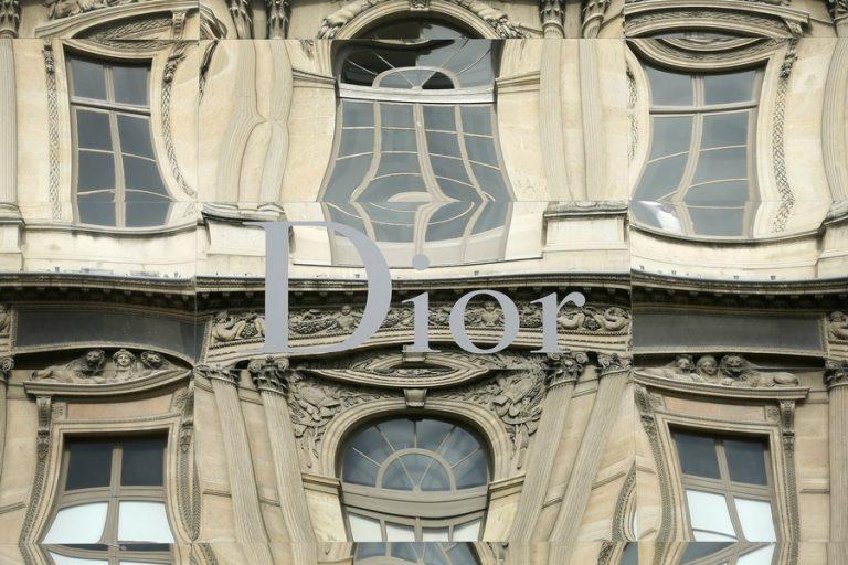 Super deal! Η Louis Vuitton εξαγοράζει τον Dior έναντι 12,1 δισεκ. ευρώ!   Newsit.gr