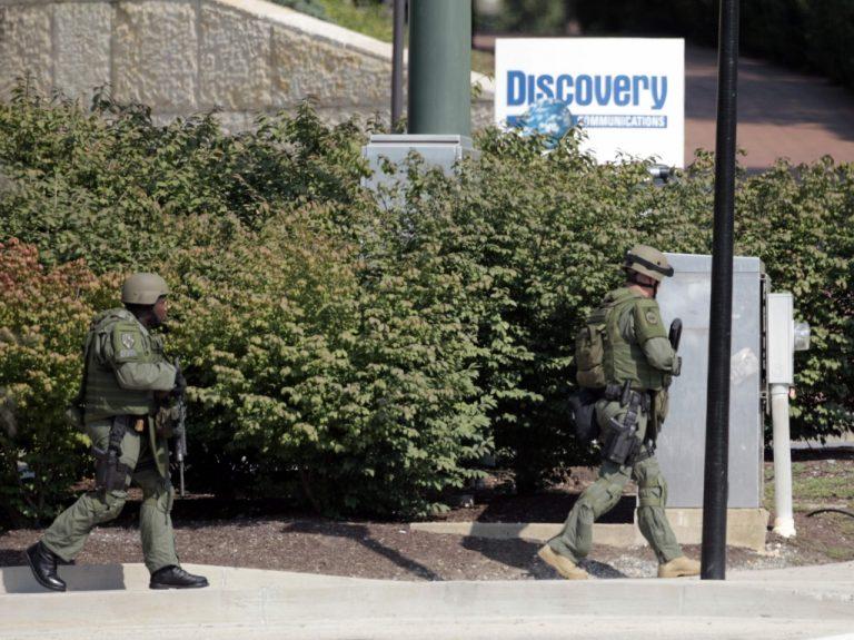 Νεκρός ο ένοπλος που εισέβαλε στο κτίριο του Discovery Channel | Newsit.gr