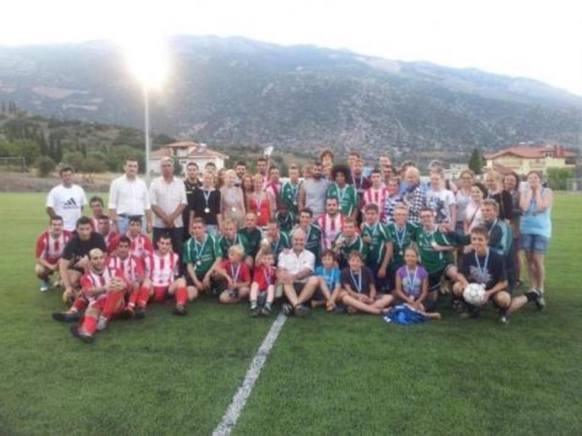 ΔΙΣΤΟΜΟ: Έλληνες εναντίον Γερμανών – Αυτή τη φορά στο γήπεδο | Newsit.gr