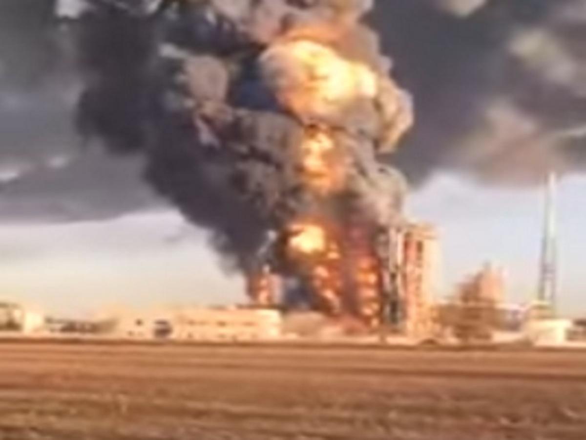 Έκρηξη σε μεγάλο διυλιστήριο της βόρειας Ιταλίας – Δύο τραυματίες   Newsit.gr