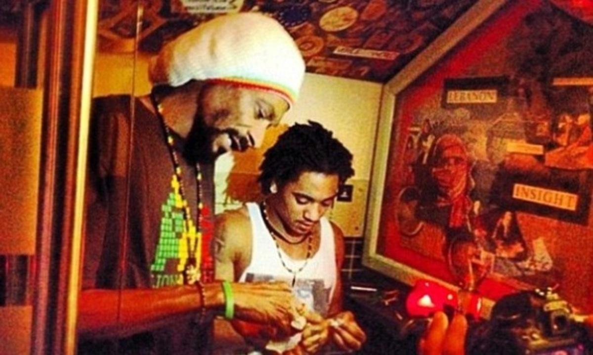 O Snoop Dogg και ο 18χρονος γιος του καπνίζουν μαζί μαριχουάνα! Φωτογραφίες | Newsit.gr