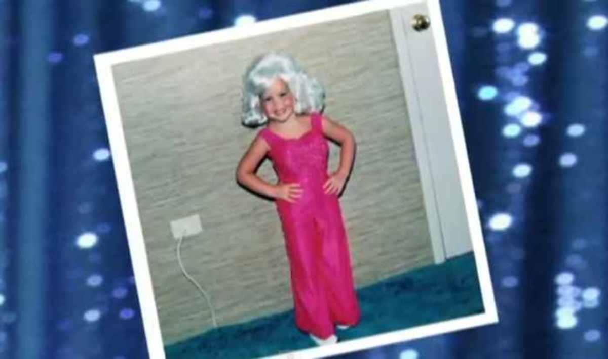 Έντυσε την 4χρονη κόρη της Dolly Parton και… τώρα κινδυνεύει να τη χάσει | Newsit.gr