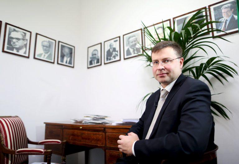 Ντομπρόβσκις: Να ολοκληρωθεί το συντομότερο η δεύτερη αξιολόγηση | Newsit.gr