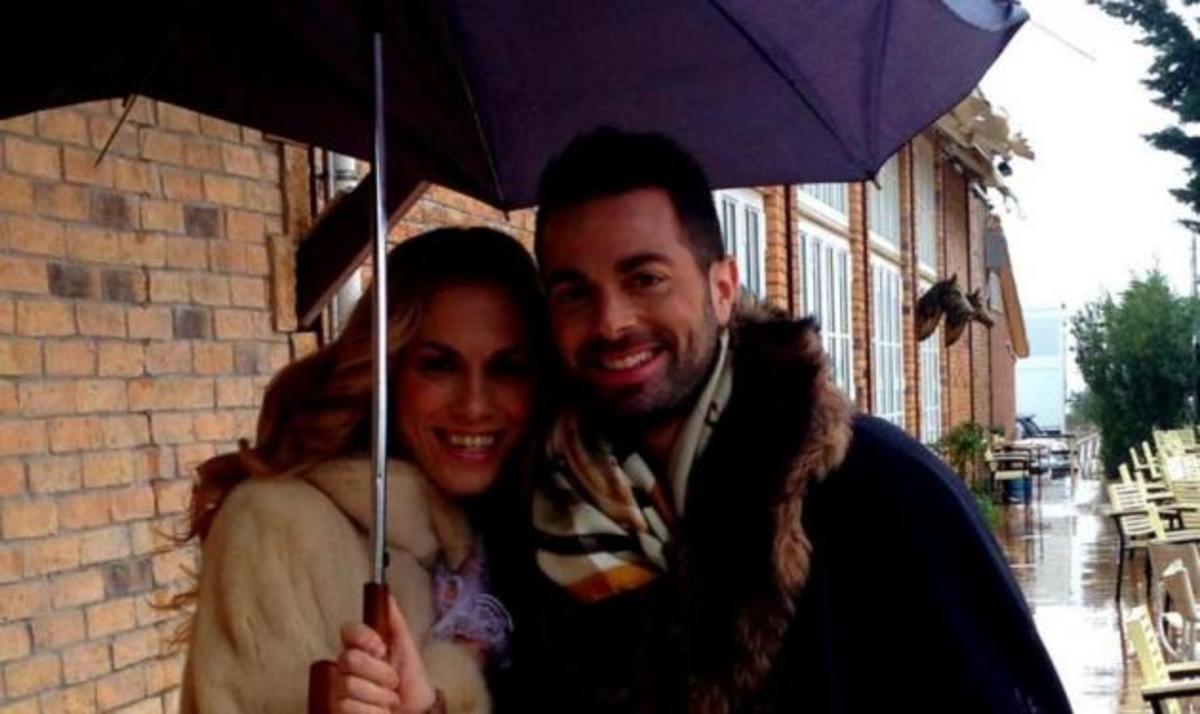 Nτ. Παπαδημητρίου – Ηλ. Βρεττός: Τι κάνουν μαζί στη βροχή; | Newsit.gr
