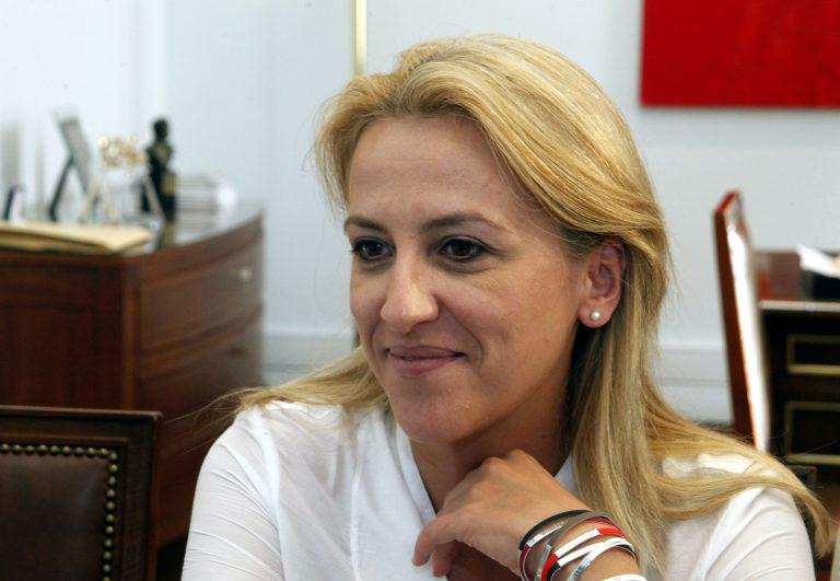 Στο δρόμο Τατσόπουλου η Ρ. Δούρου: «Το μόνο που δεν είπαν είναι πως ο Τσίπρας θα σας γαμ… τις γυναίκες» | Newsit.gr