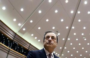 Ντράγκι: «Φρενάρει» η ανάκαμψη στην Ευρωζώνη