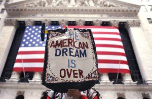 Ξεθωριάζει το αμερικάνικο όνειρο…