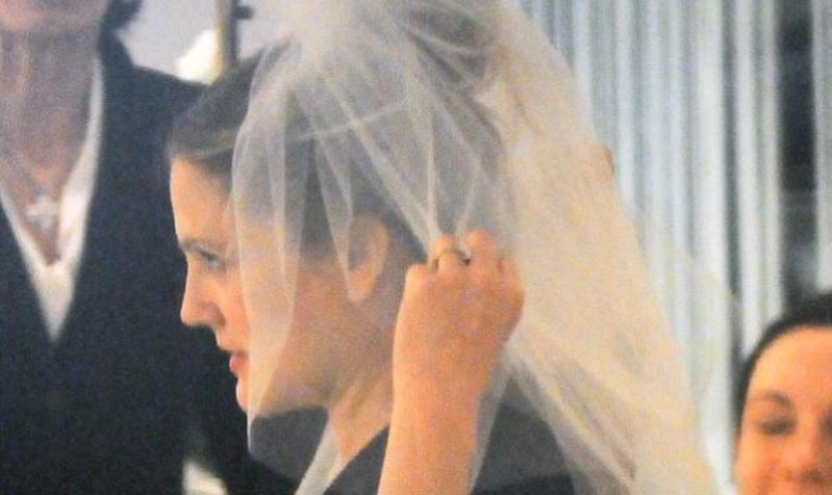 Η έγκυος D. Barrymore παντρεύτηκε τον εκλεκτό της καρδιάς της! | Newsit.gr