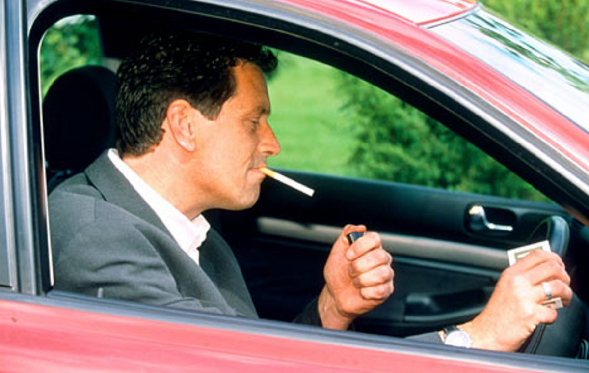 Να απαγορευτεί το κάπνισμα και στο αυτοκίνητο | Newsit.gr