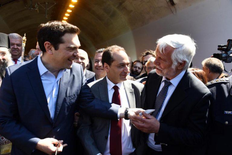 Ο Πρωθυπουργός μπερδεύτηκε! Νόμιζε ότι η εθνική οδός είναι πτέρυγα μάχης! | Newsit.gr