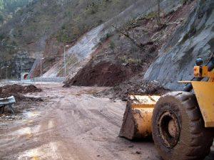 Θεσσαλονίκη: 100 εκατομμύρια ευρώ απαιτούνται για την αποκατάσταση του οδικού δικτύου