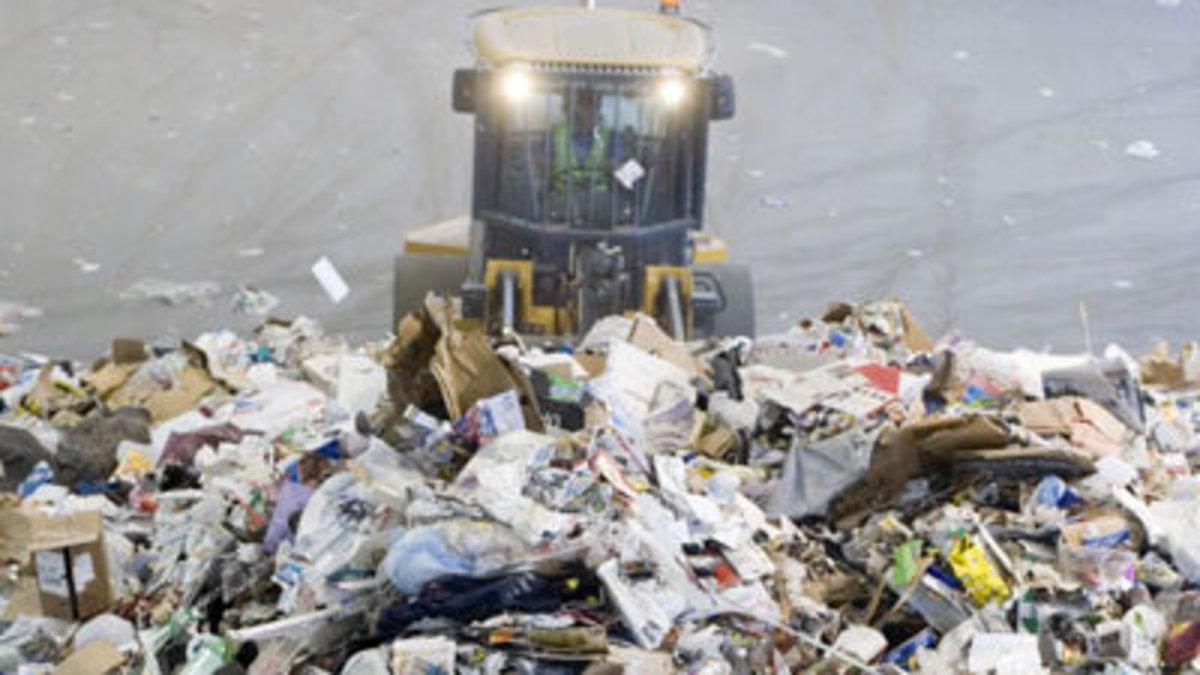 Βρήκαν βέρες σε 10 τόνους σκουπίδια   Newsit.gr