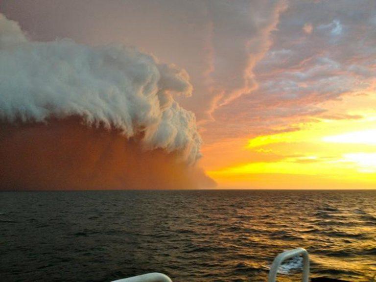 Δέος από το γιγαντιαίο σύννεφο σκόνης στην Αυστραλία – Εντυπωσιακό video και φωτογραφίες   Newsit.gr