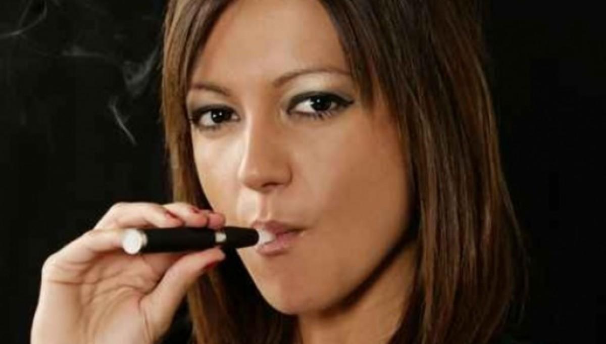 Πως πιστοποιείται ή όχι η επικινδυνότητα του ηλεκτρονικού τσιγάρου   Newsit.gr