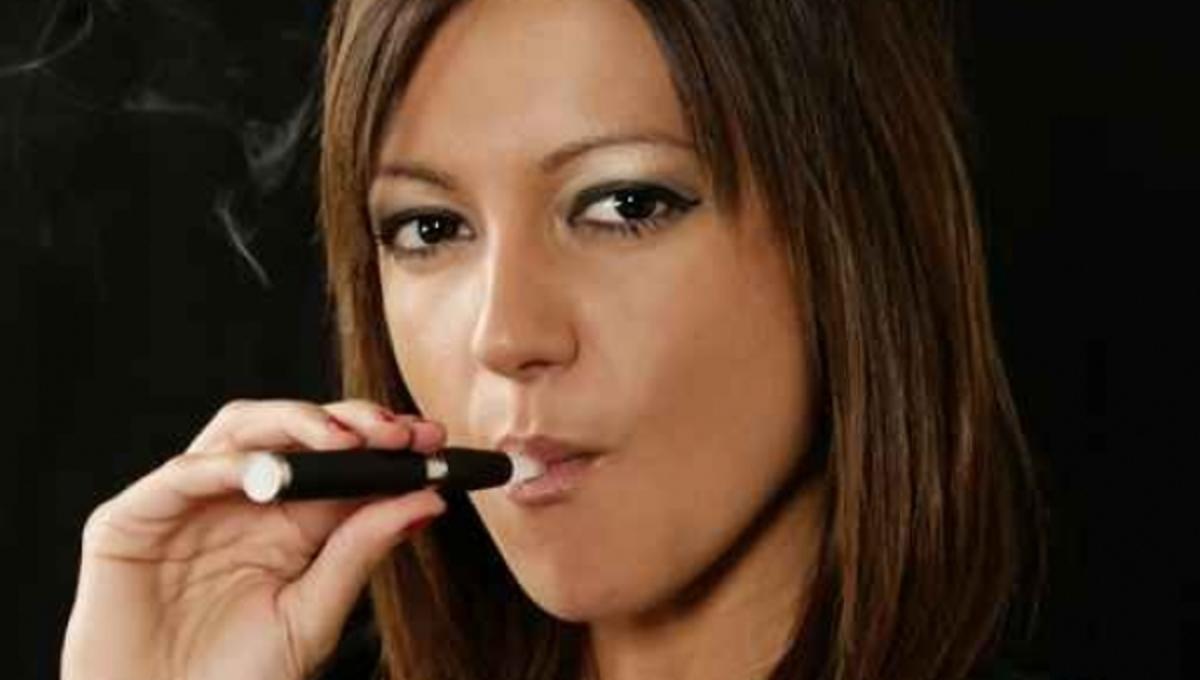Και πρόστιμα για τα ηλεκτρονικά τσιγάρα μέσα στα μπαρ! | Newsit.gr