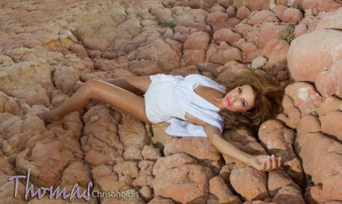 Στα παρασκήνια της σέξυ φωτογράφισης της Ε. Φουρέιρα! | Newsit.gr