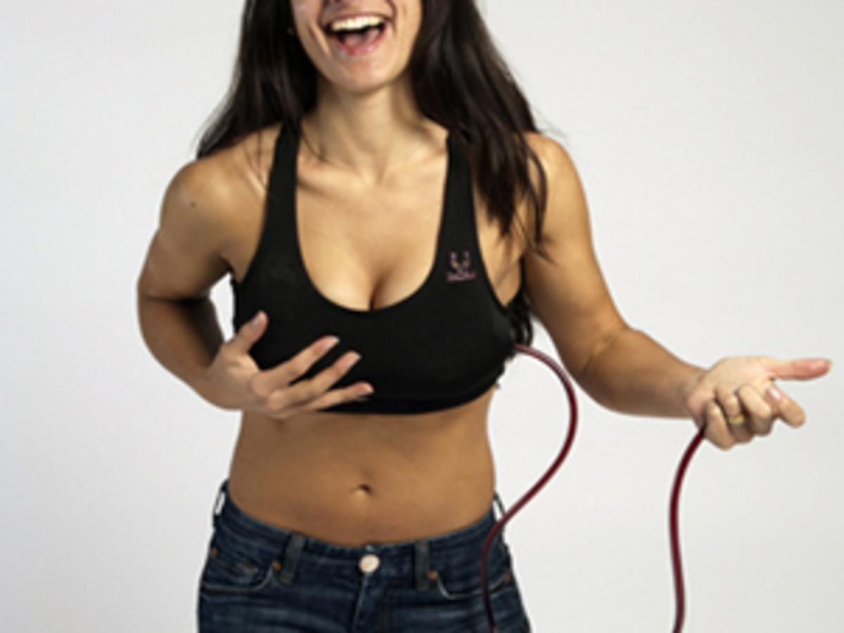 Στήθος για να το… πιείς! | Newsit.gr