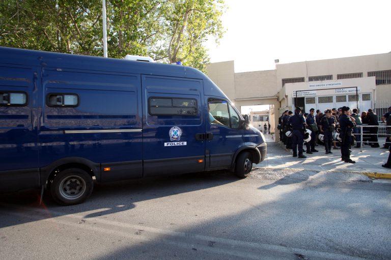 Την ενοχή 7 κατηγορουμένων για συμμετοχή στον «Επαναστατικό Αγώνα» πρότεινε ο εισαγγελέας | Newsit.gr
