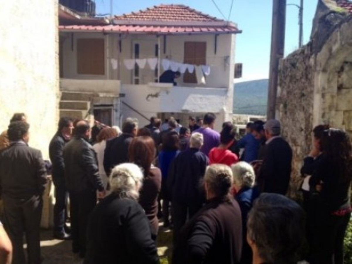Κρήτη: Απειλές και κατάρες για τον δολοφόνο και βιαστή 85χρονης γριούλας! | Newsit.gr