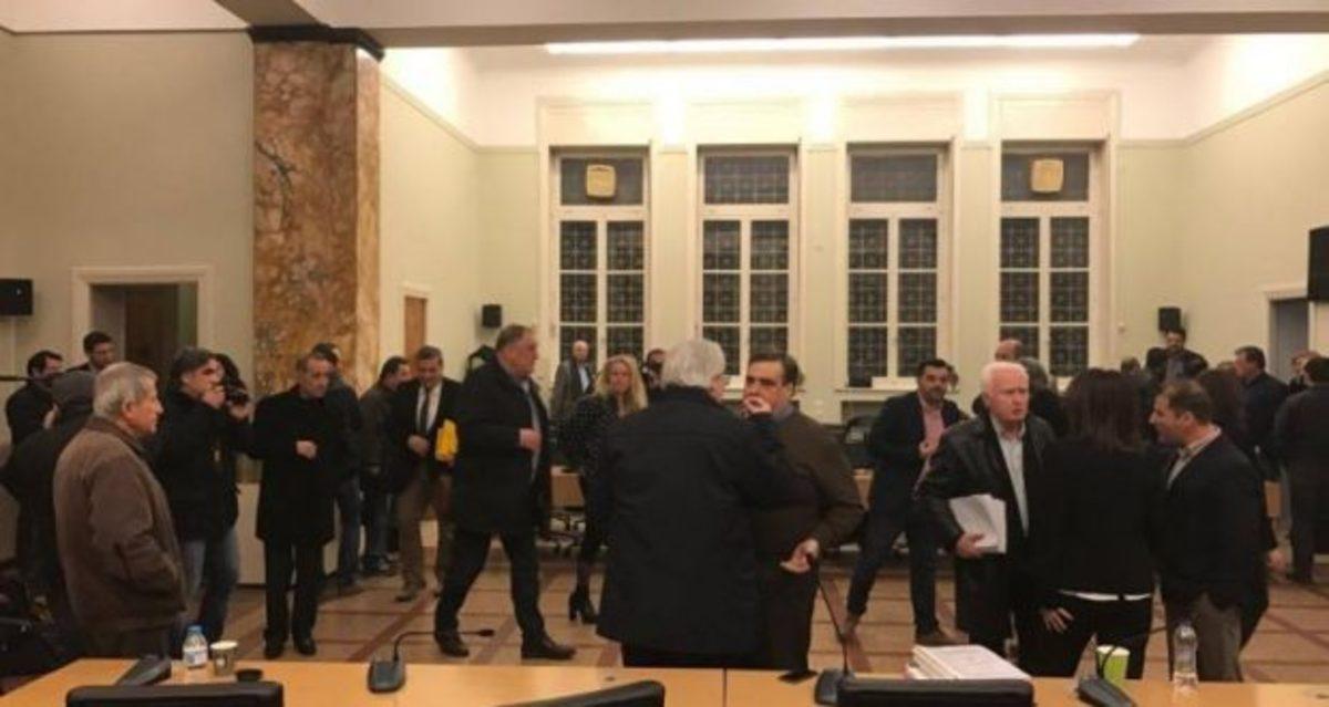Αποχώρησαν όλες οι παρατάξεις της αντιπολίτευσης από το Δημοτικό Συμβούλιο Αγρινίου [vid] | Newsit.gr