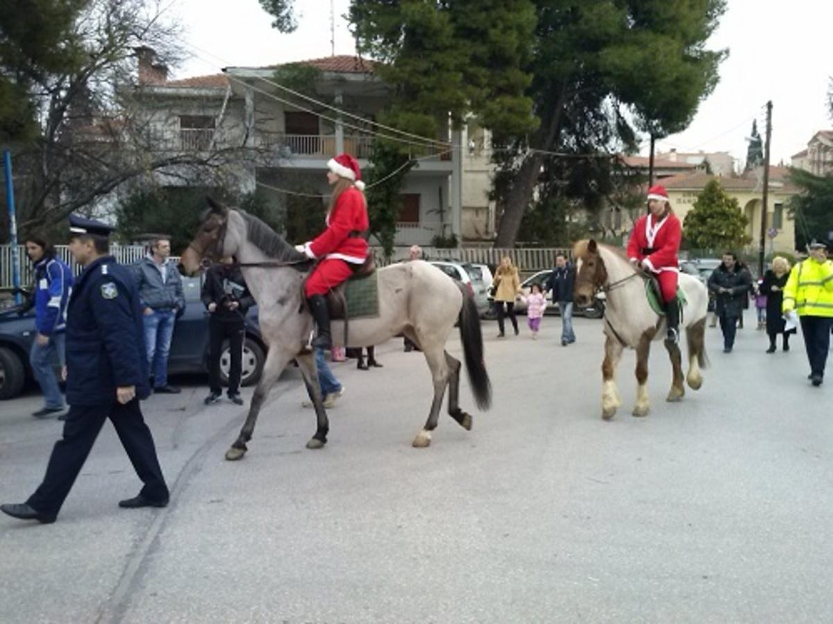 Θεσσαλονίκη: Έφιπποι Αη Βασίληδες στο Πανόραμα – Δείτε το βίντεο! | Newsit.gr