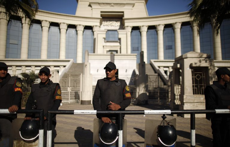 Αίγυπτος: Νέοι τριγμοί στην κυβέρνηση Μόρσι | Newsit.gr