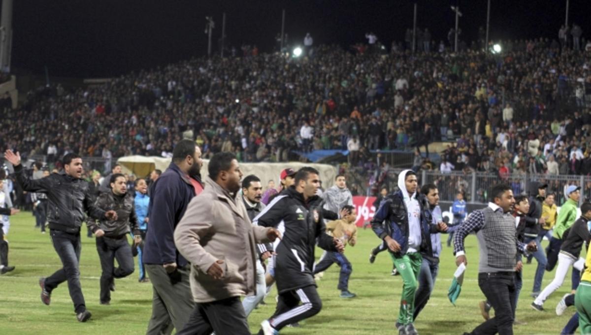 Πολιτικά τα κίνητρα του μακελειού στην Αίγυπτο; – 74 οι νεκροί, 1.000 οι τραυματίες (ΦΩΤΟ)   Newsit.gr