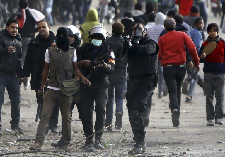 Βίασαν 19 γυναίκες στην Ταχρίρ – Ο στρατός αντικαθιστά την αστυνομία! | Newsit.gr