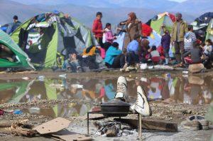 Δεν άντεξαν! 20 οικογένειες προσφύγων ταξίδεψαν από την Ειδομένη στον Πειραιά