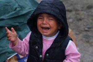 Ειδομένη: Πρόσφυγες και ποντίκια – Ανησυχία γιατρών από τα σημάδια στα σώματα μικρών παιδιών (Βίντεο)!