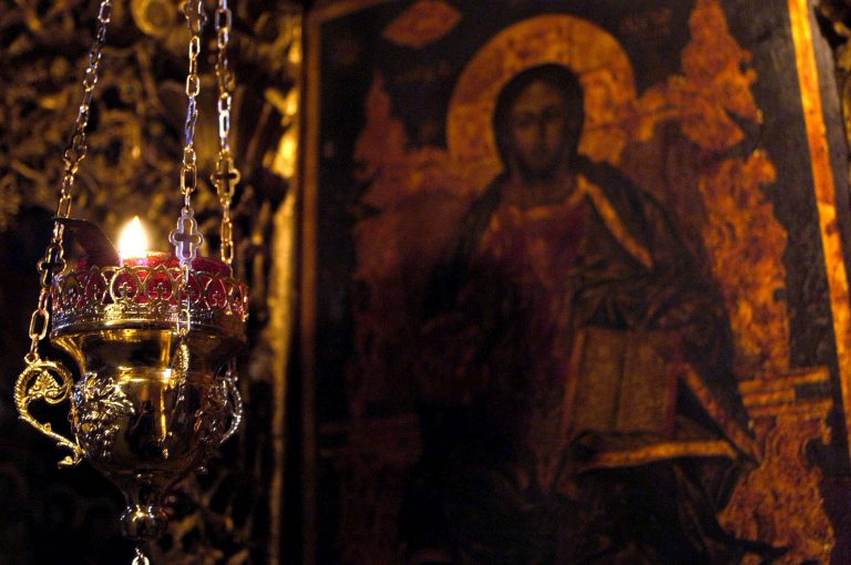 Μπήκαν στην Εκκλησία και έκλεψαν τις εικόνες | Newsit.gr