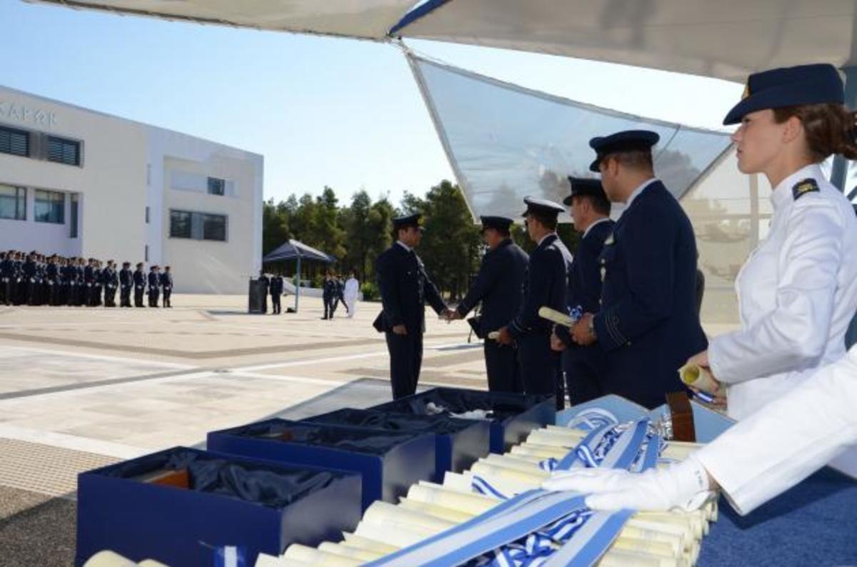 Όλοι οι πίνακες με τους εισακτέους στις στρατιωτικές σχολές   Newsit.gr