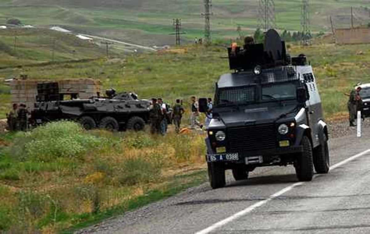 3 τούρκοι στρατιώτες νεκροί και άλλοι 3 τραυματίες απο την επίθεση του PKK!   Newsit.gr