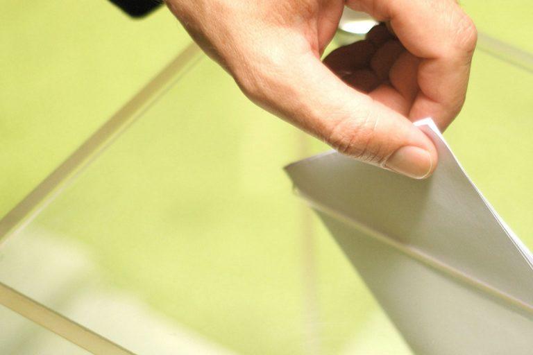 Μόλις στο 13% η συμμετοχή στις δημοτικές εκλογές στην Ιταλία – «Χτύπημα» στην κυβέρνηση Μόντι | Newsit.gr