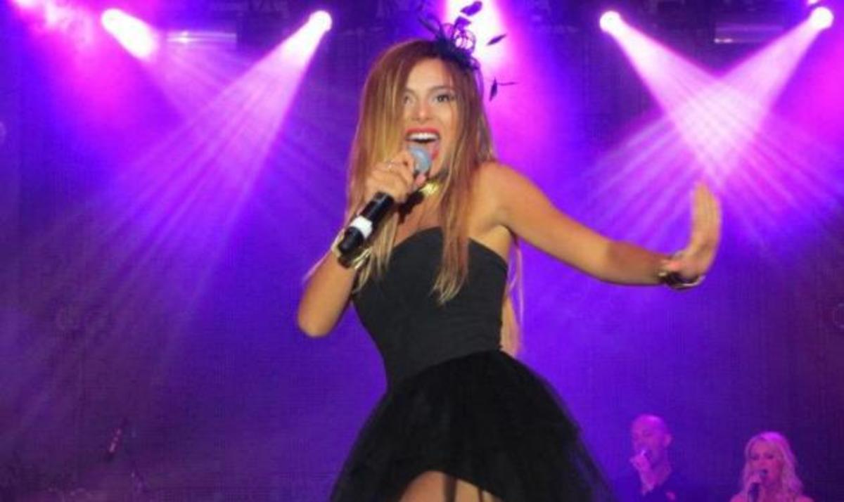 Ε. Ελευθερίου: Οι διακοπές στην Κρήτη και η σέξυ εμφάνιση στη Σουηδία! | Newsit.gr