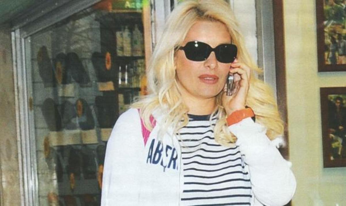 Ε. Μενεγάκη: Οι πασχαλινές αγορές και τα δώρα για το βαφτιστήρι της! Δες φωτογραφίες | Newsit.gr