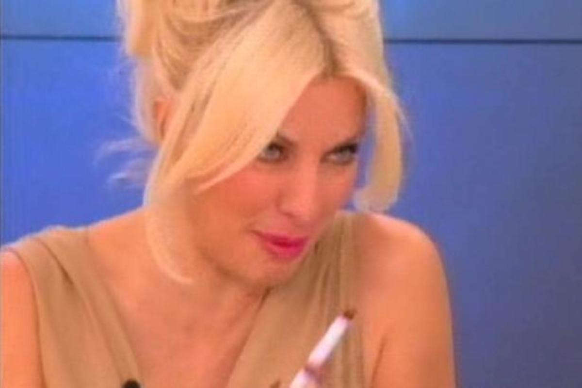 Πώς ζήτησε η Ελένη εισιτήριο για το Contagion;   Newsit.gr