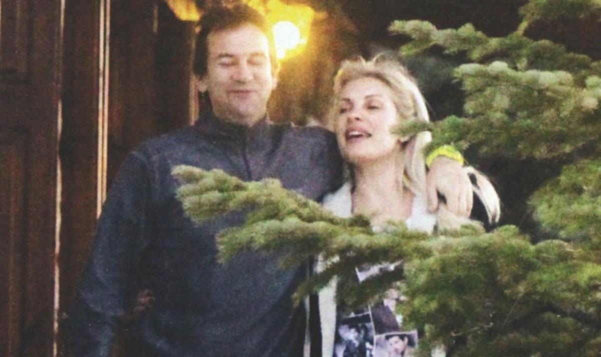 Ε. Μενεγάκη – Μ. Παντζόπουλος: Ζουν τον έρωτά τους στα σοκάκια της Αράχωβας!   Newsit.gr