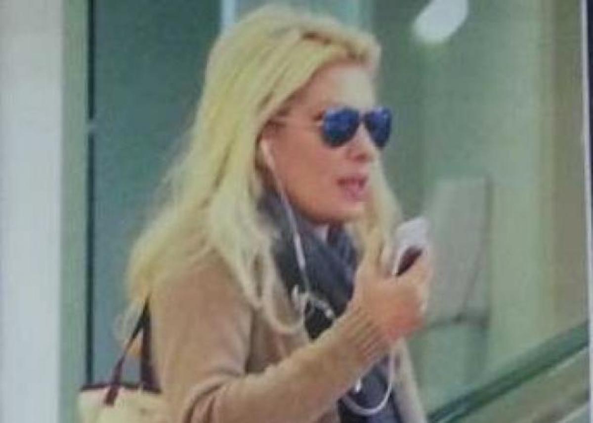 Ξέρω τι τσάντα κρατάει η Ελένη Μενεγάκη! Μάθε τις λεπτομέρειες.. | Newsit.gr