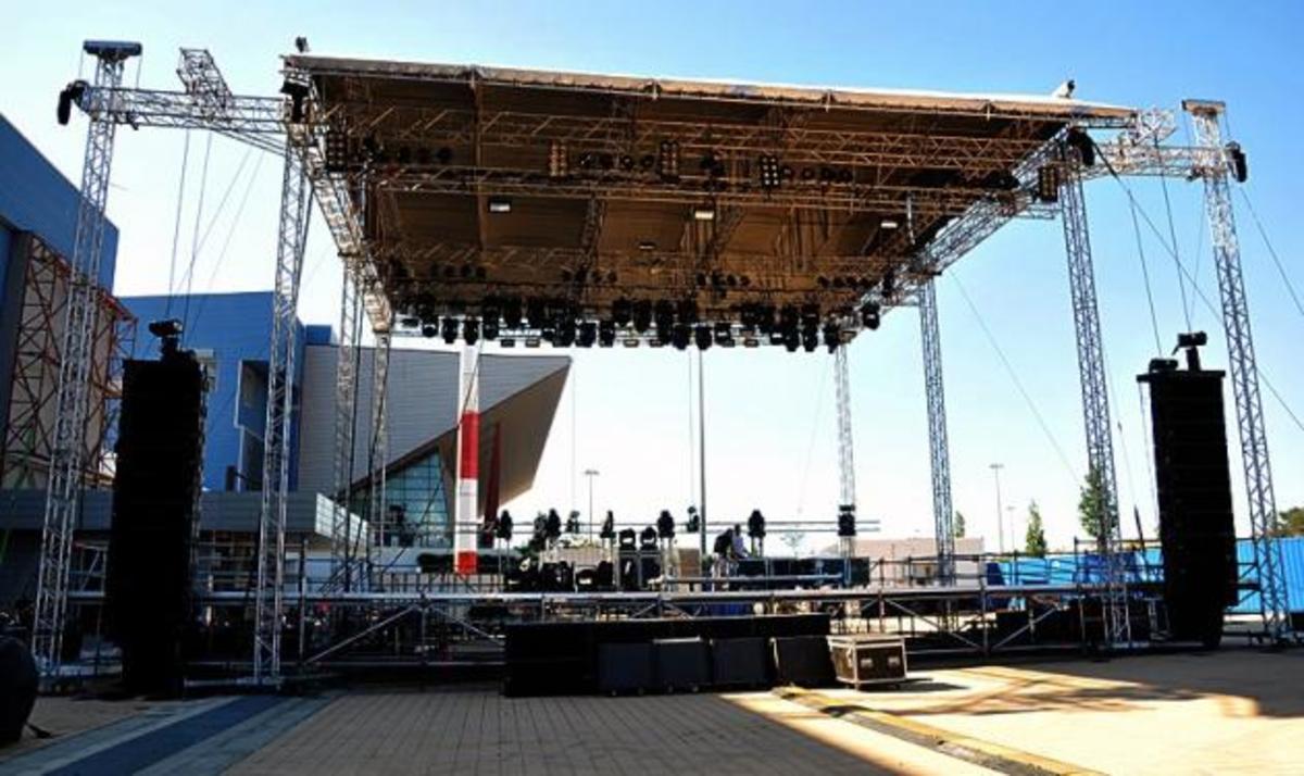 Απόψε η μεγάλη συναυλία των Evanescence! Φωτογραφίες από τη σκηνή και τις προετοιμασίες   Newsit.gr