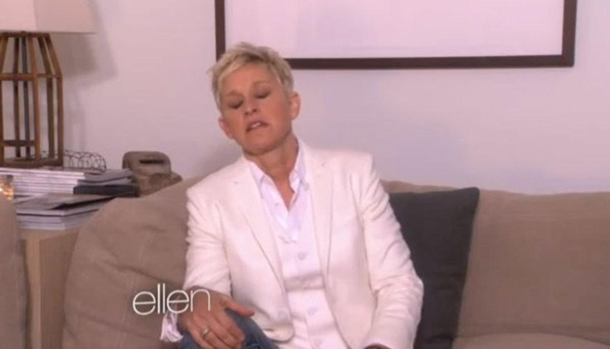 Η Ellen DeGeneres αφιέρωσε κλαίγοντας την εκπομπή της στο ματωμένο Νιούταουν | Newsit.gr