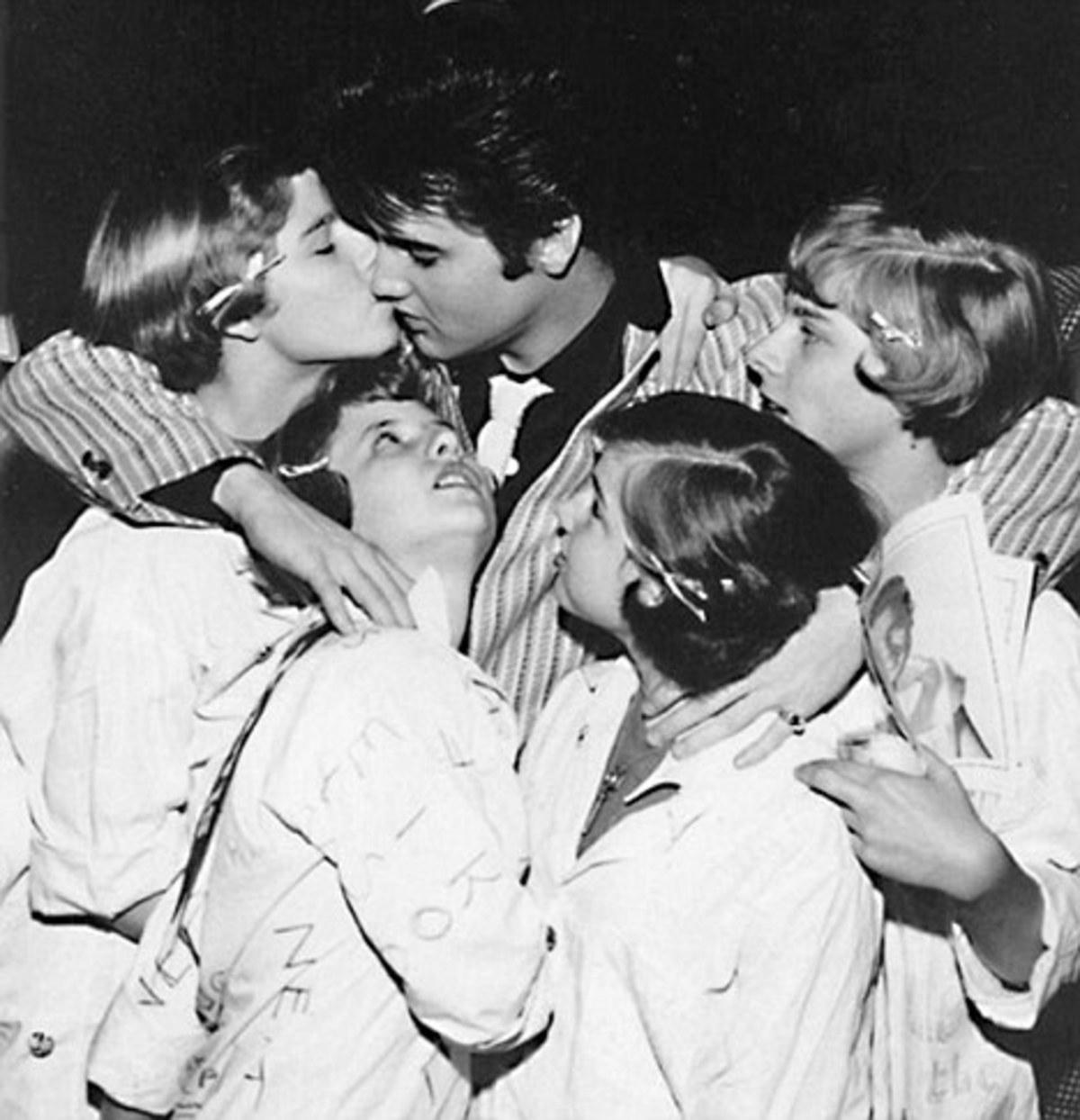 Elvis Presley: του άρεσαν μόνο οι 14χρονες! | Newsit.gr