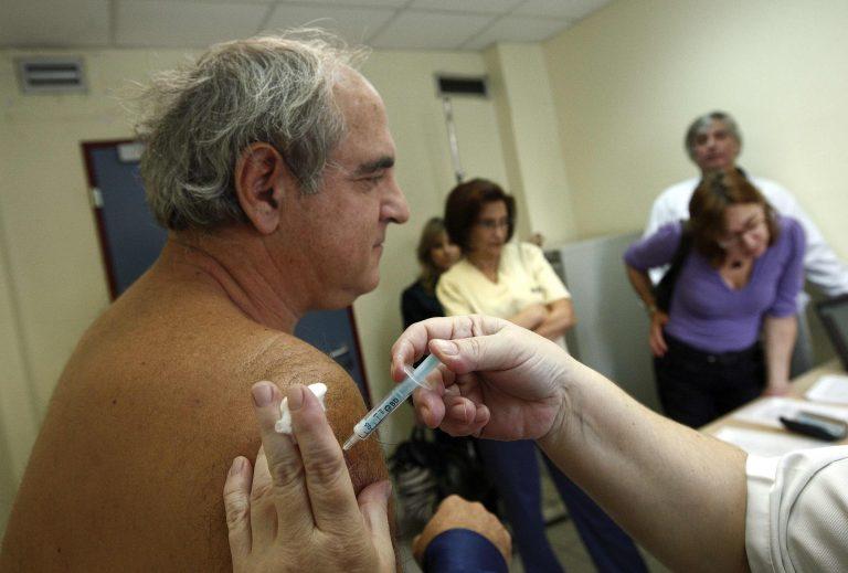 Αρχισαν οι εμβολιασμοί   Newsit.gr