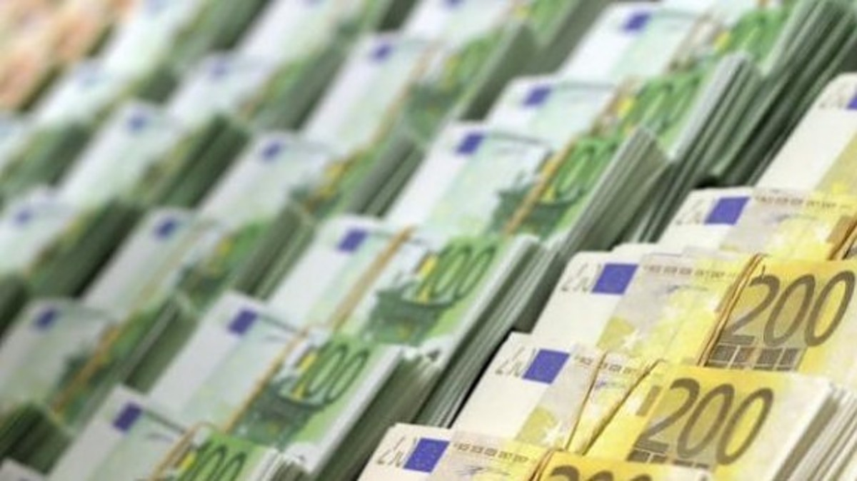 Newsit Κύπρου: 350 εκατομμύρια για να μην οδηγηθούμε σε στάση πληρωμών   Newsit.gr