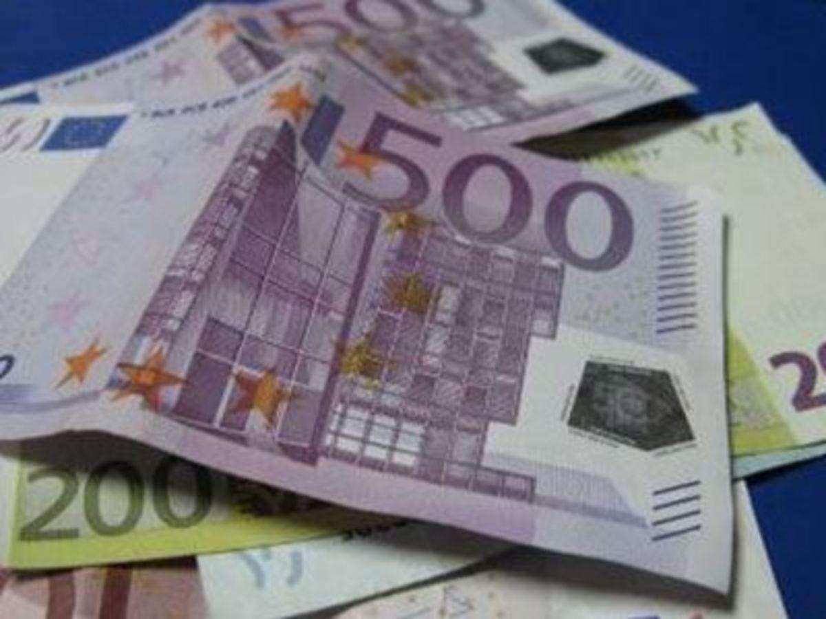 28 μονάδες έπεσαν τα επιτόκια από την πώληση 6μηνων εντόκων γραμματίων!   Newsit.gr