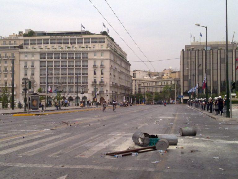 ΘΕΜΑ NEWSIT: Οι ταραχές «γκρέμισαν» τον τουρισμό | Newsit.gr