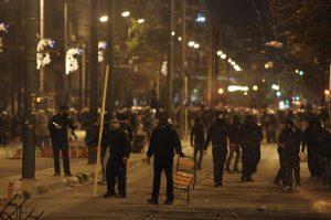 """Πολυτεχνείο επεισόδια: Το """"κρατίδιο των Εξαρχείων"""" ντρόπιασε την επέτειο και έκαψε την Αθήνα"""