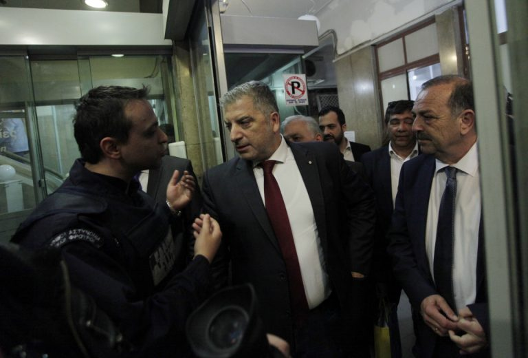 'Αγρια κόντρα Σκουρλέτη – δημάρχων – Αποχώρησε από συνάντηση!   Newsit.gr